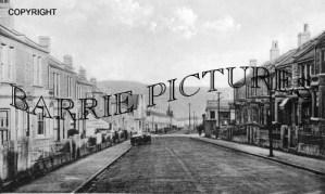 Bath, Coronation Avenue c1930