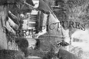 Selworthy, Thatchinf the Res c1930