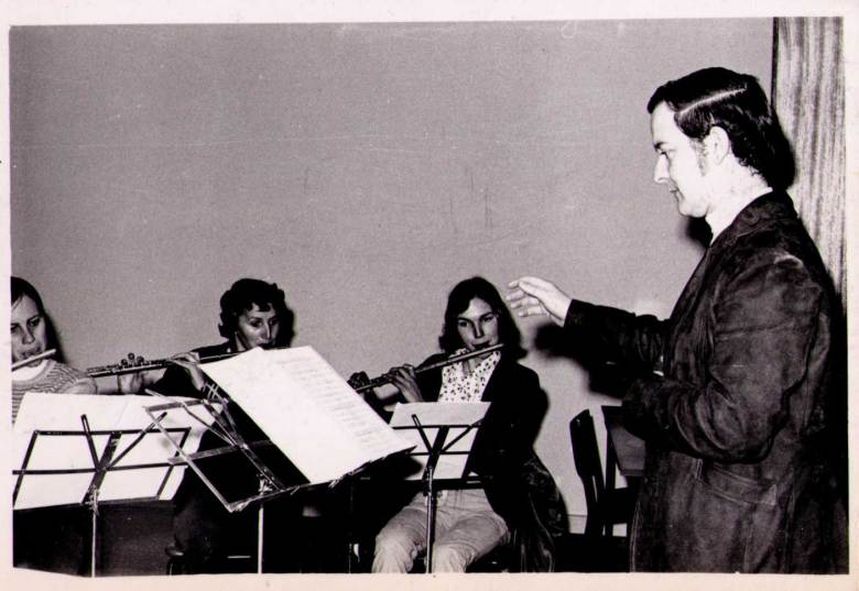 Fred Shade conducting at the first VFG concert (1969)