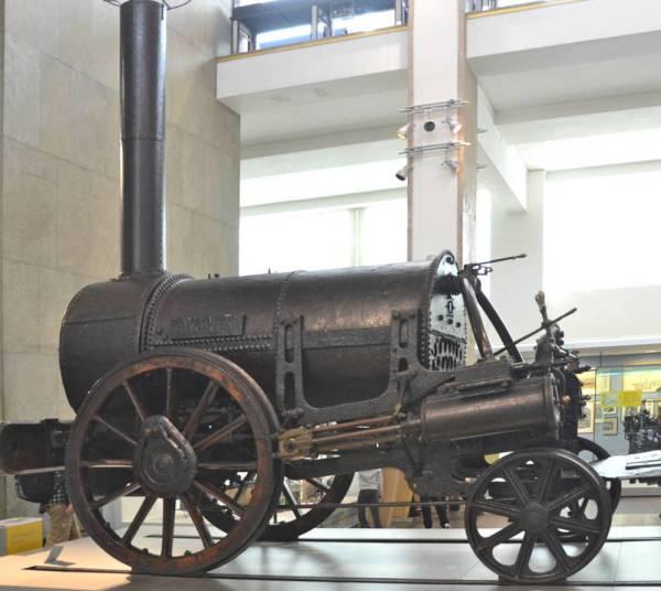 Robert Stephenson' Rocket Modern Steam Locomotive