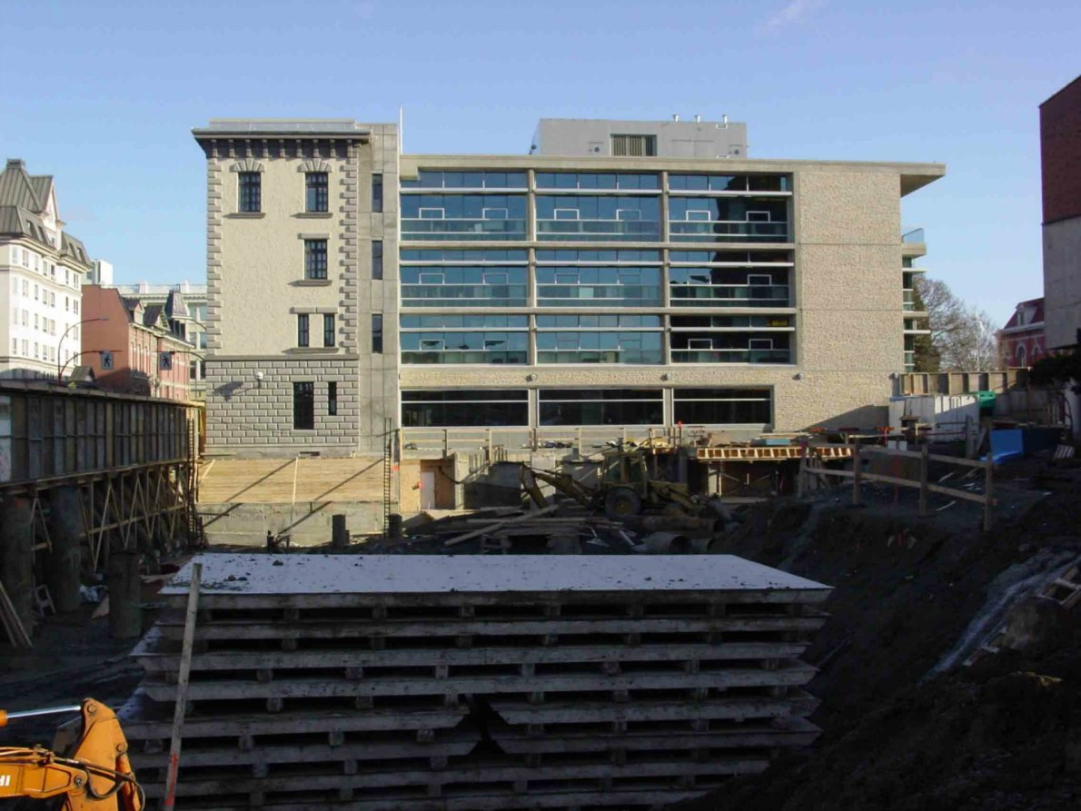 Former Victoria Police headquarters, 625 Fisgard Street, during construction of the C.R.D. building in 2005. (photo by Victoria Online Sightseeing Tours)