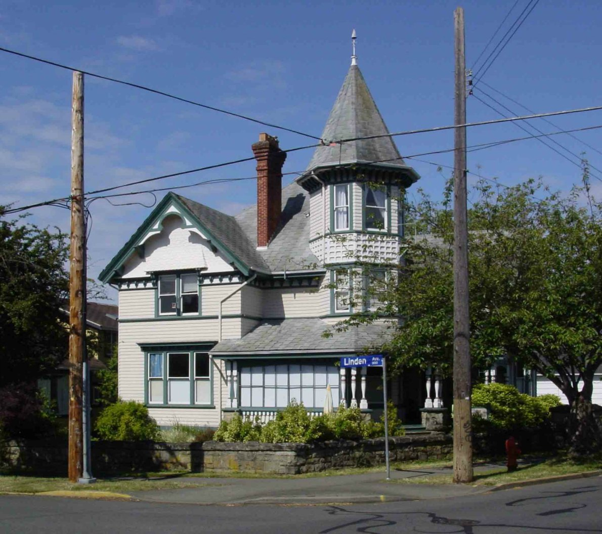 1171 Rockland Avenue in 2005