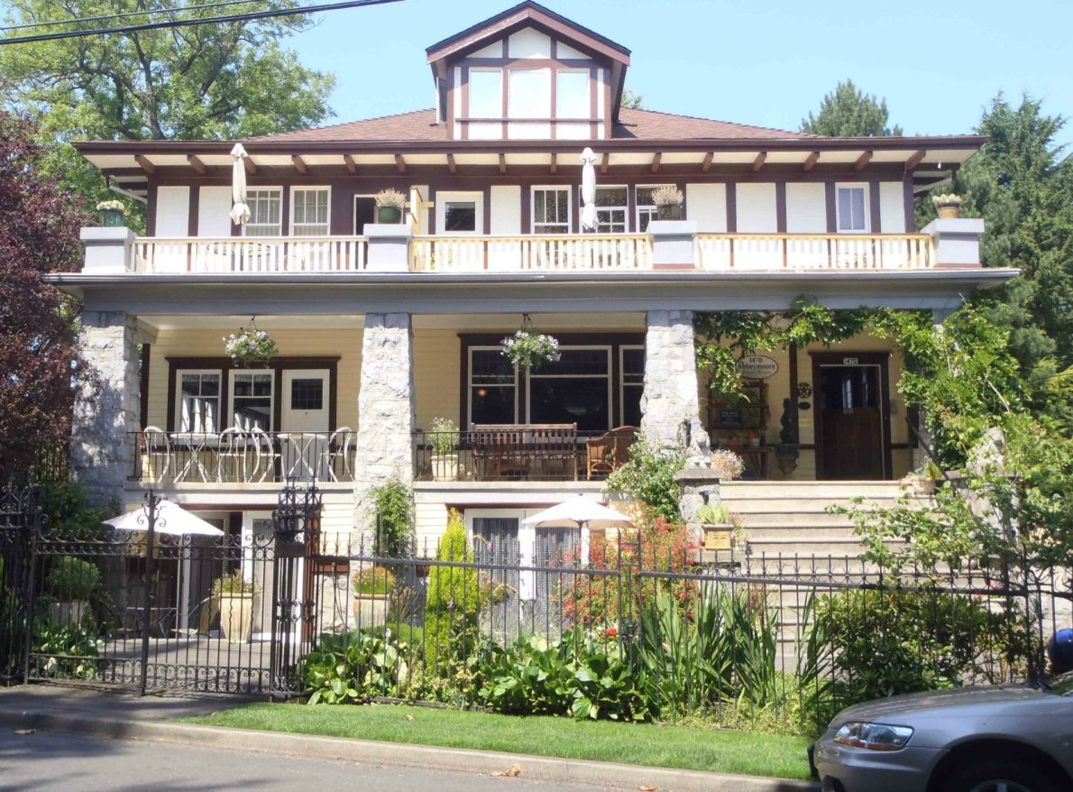 1470 Rockland Avenue