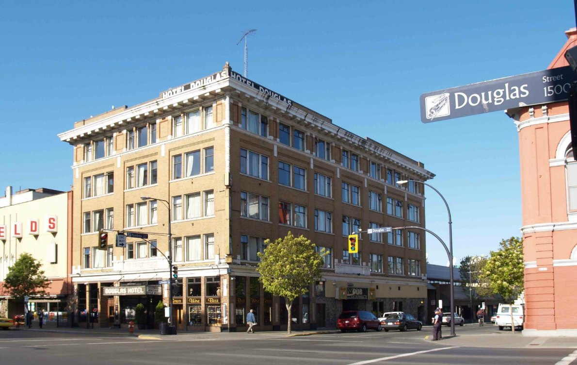 The Douglas Hotel, 1450 Douglas Street, in 2006 before being converted into the Hotel Rialto (photo by Victoria Online Sightseeing Tours)