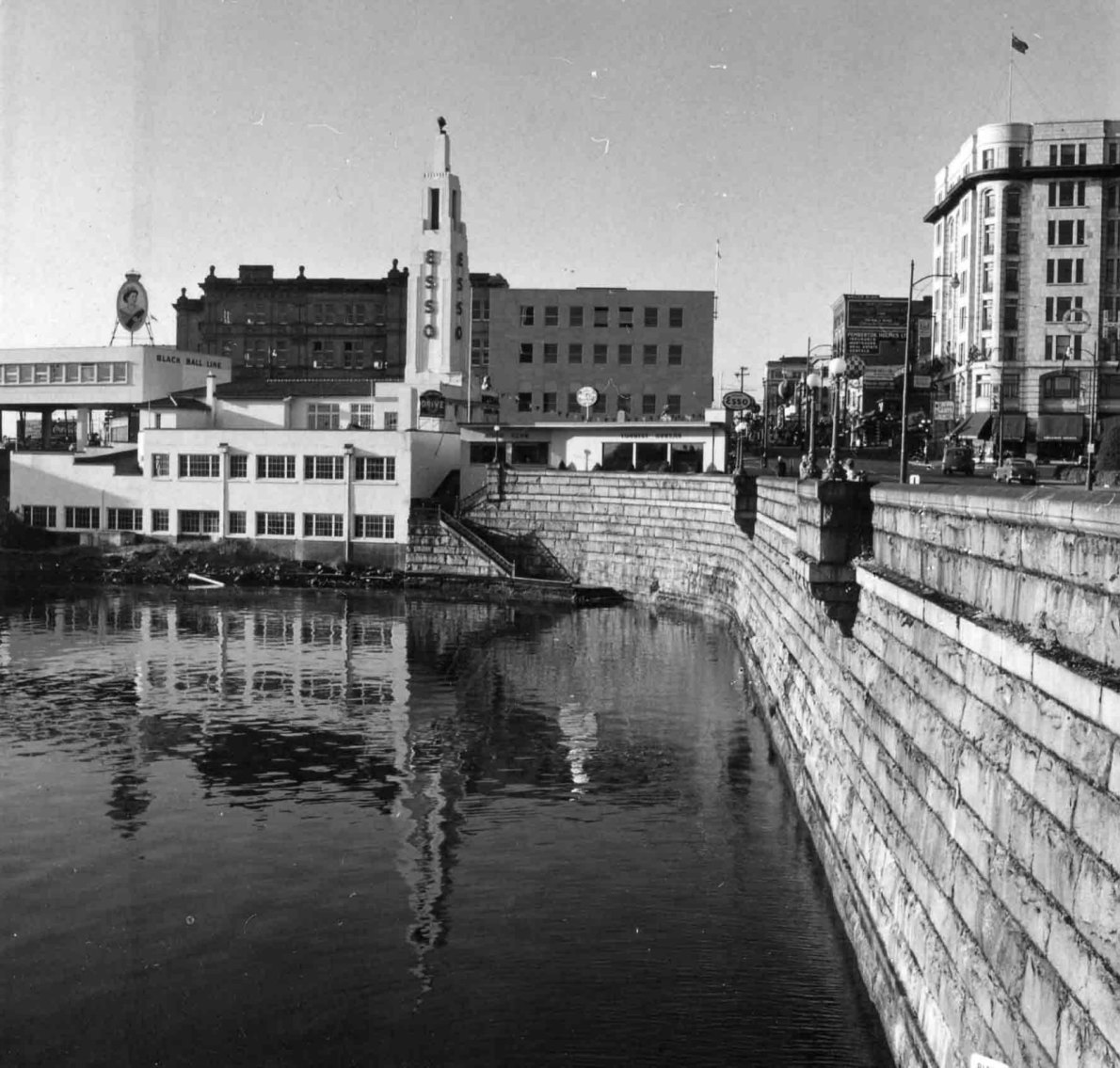 812 Wharf Street in 1958. Note the adjacent Black Ball Line ferry terminal (photo courtesy of Glenbow Museum, used with permission)