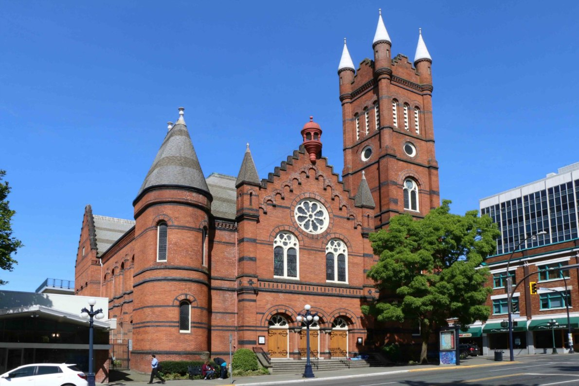 St. Andrew's Presbyterian Church, built in 1889-1890 by architect L. Butress Trimen. (photo by Victoria Online Sightseeing Tours)