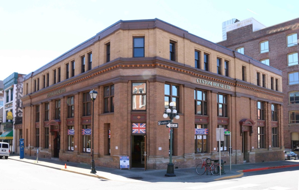 517 Fort Street/1016 Langley Street