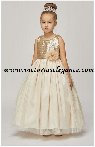 Champagne Style 1204 @ www.victoriaselegance.com