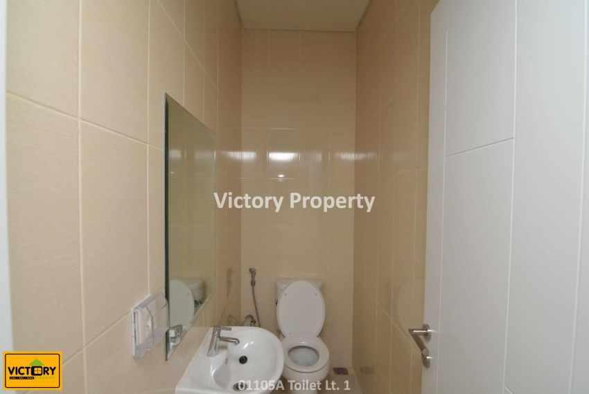 01105A Toilet Lt. 1