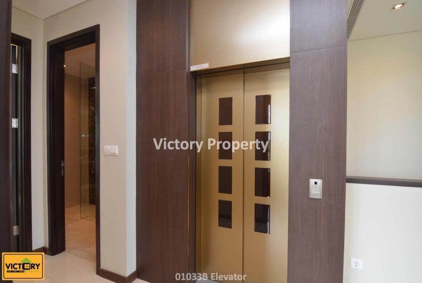 01033B Elevator