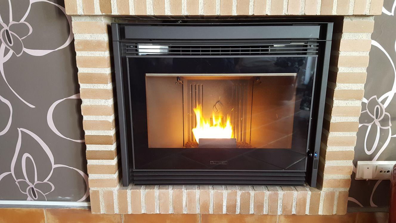 Pellet fireplace insert Piazzetta IP 7858  Estufas de pellet Piazzetta y Superior Tienda y