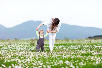 mother-child-field