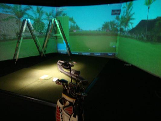 O golfe indoor ocupa um andar inteiro