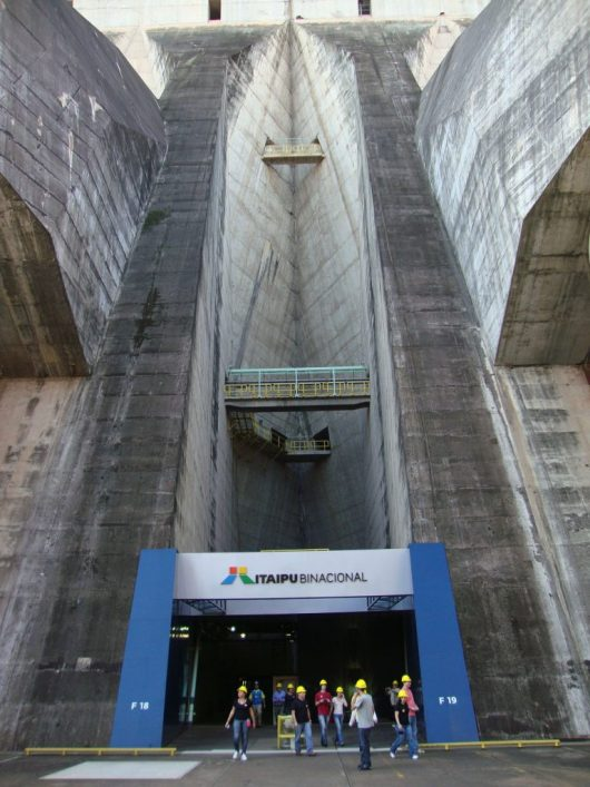 Entrada da Usina de Itaipu
