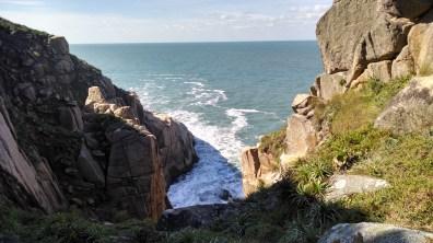 Paredão na Praia do Rosa - SC