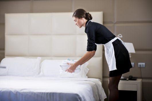 Camareira de hotel e pousada