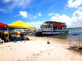 Catamarã na Ilha dos Namorados - Aracaju - SE