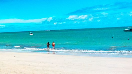 Águas do mar da Praia de Ipioca - Maceió - AL