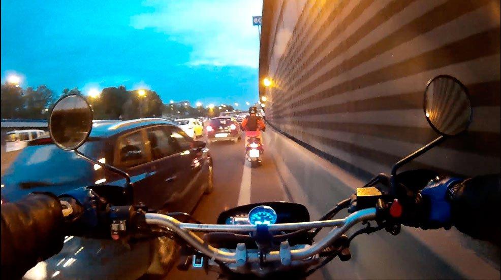 Tráfico en moto