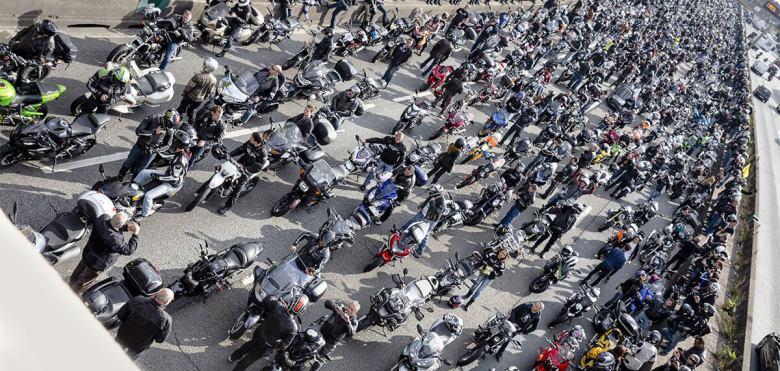 Manifestación por la moto