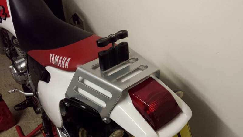 Parrilla con rotopax de Yamaha TTR