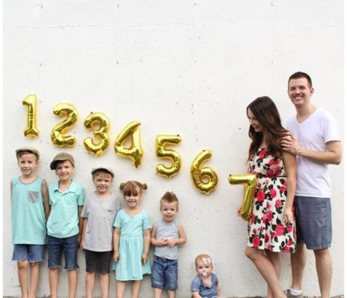 Esta familia anunció la llegada de su 7mo hijo de una manera muy divertida!