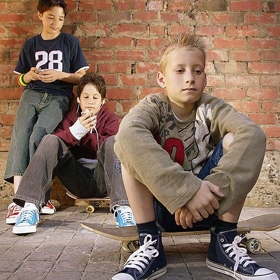 Mi hijo es testigo de bullying entre sus compañeros. ¿Cómo lo apoyo?