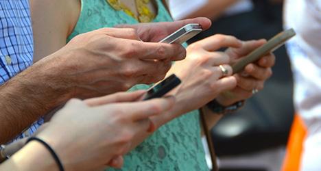WhatsApp, що належить Facebook, є улюбленим додатком для обміну повідомленнями серед 98% опитаних