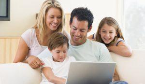 Família Digital oferece oficinas educativas e gratuitas para pais e crianças que falam sobre a segurança na internet