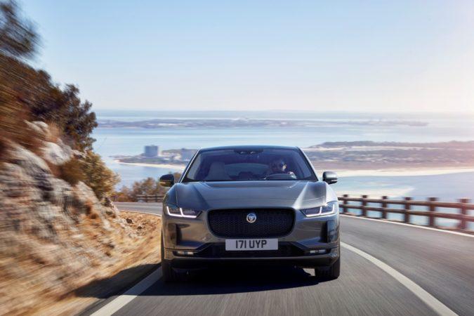 Jaguar I-PACE Frente Estrada
