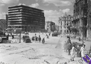 Potsdamer_Platz_1945_byn