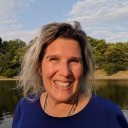 Diane Gotttlieb headshot