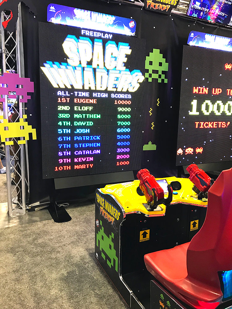 Giant Space Invaders Frenzy Arcade Games Racing
