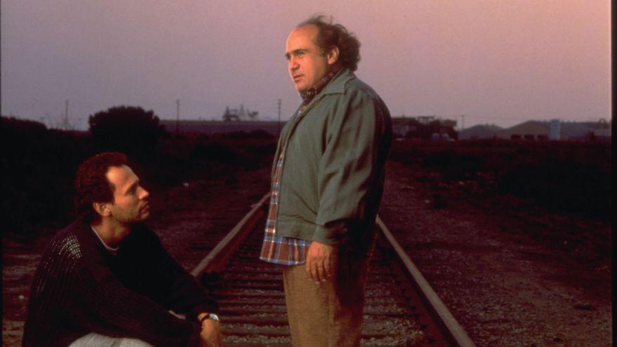 Balance maman hors du train – Danny Devito