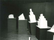 Dokumentasjonsbilder av Brian Eno's installasjon under Video Art Video. Fotograf ukjent. Arkivbilder fra Kulturhuset i Stockholm 1972-2013