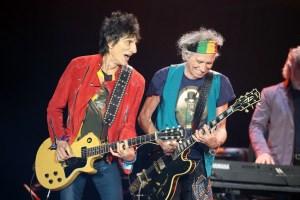 Watch Ron Wood S Incredible Guitar Collection Videomuzic