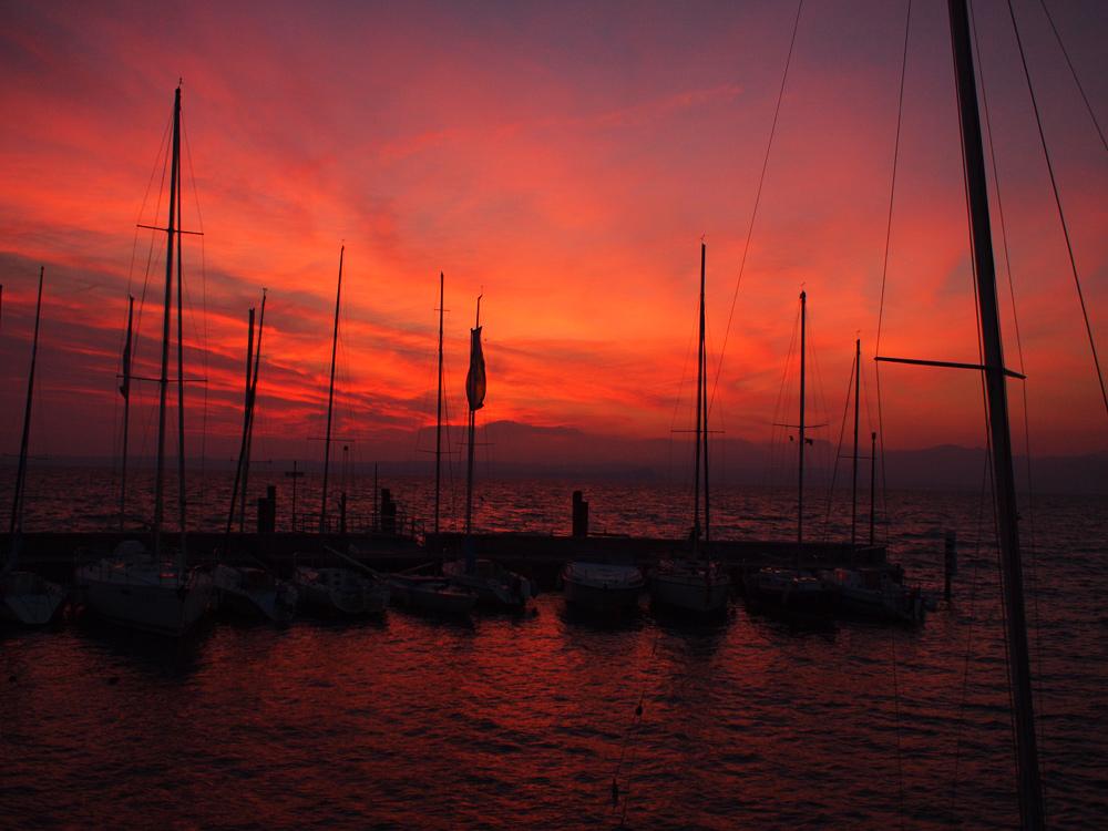 Videonauts Gardasee Bardolino sunset am Hafen