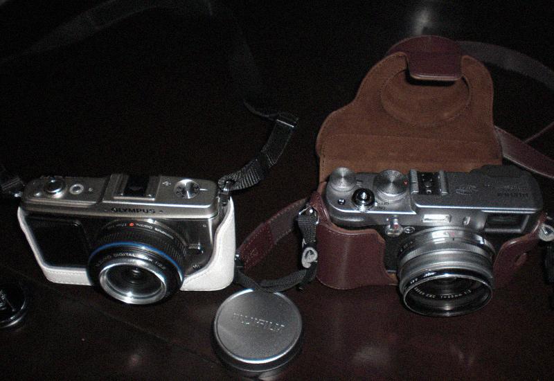 Videonauts Olympus PEN E-P1 vs. Fuji Finepix X100