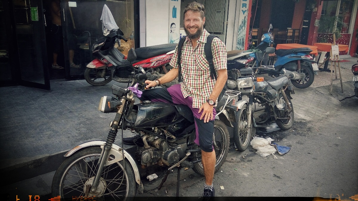 Videonauts Backpacking Vietnam Honda Win Saigon