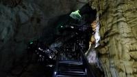Videonauts backpacking Vietnam Paradise Cave 2