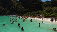 Videonauts Thailand Phuket Ko Phi Phi - tourists from hell