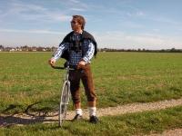 Videonauts lifestyle viva Bavaria Lederhosen & Fixie