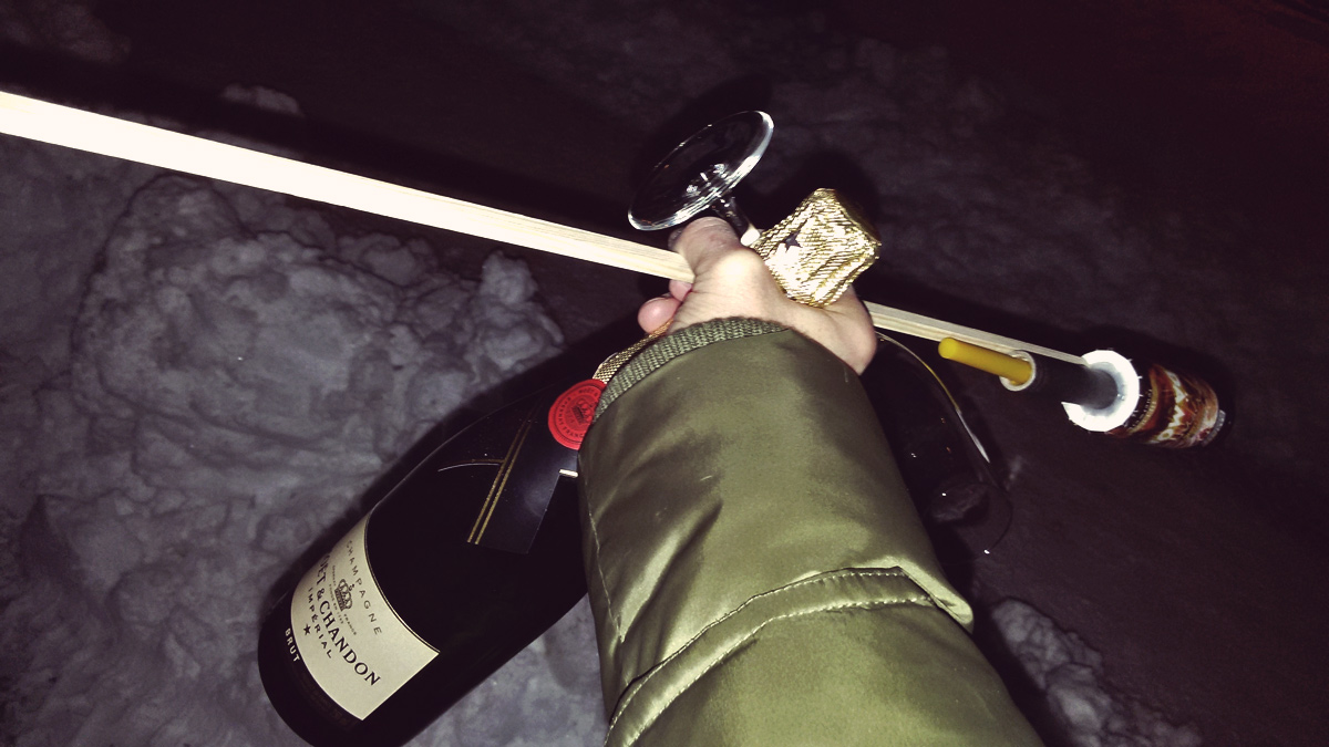 Videonauts Silvester Essentials Champagner Rakete