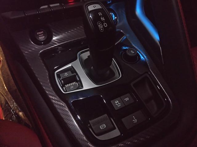 Passer le permis avec une boîte automatique : comment ça marche ?