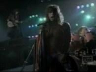 Aerosmith – Dude (Looks Like a Lady) lyrics Dude looks like a lady Dude looks like a lady Dude looks like a lady Dude looks like a lady Cruised into […]