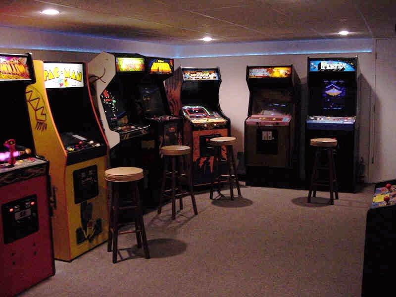 Videospielautomaten in einer deutschen Gaststätte. Trauriges Dasein in den Hinterzimmern der Nation. (Bild: Forum, www.best-of-80s.de)
