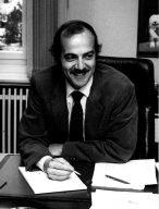Der Atari Manager Klaus Ollmann Mitte der 1980er Jahre in seinem Hamburger Büro. (Bild: Klaus Ollmann)