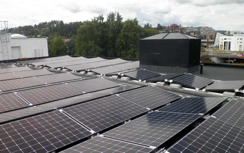 Solceller på taket av Kjørbo 2