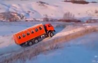 Amazing Truck Drivers And Their Craziest Driving Skills