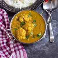 Cauliflower Kurma Kuzhambu | Chettinad Style Kuruma Kulambu